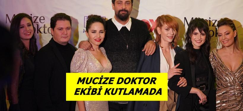 Mucize Doktor Ekibi Kutlamada !